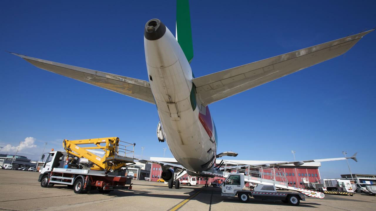 Aeroporto Urbe : Liru rome urbe m moris pilot airport information