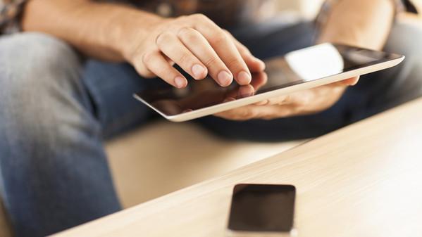 la_tassa_su_tablet_e_smartphone_che_finanzia_la_cultura_6576